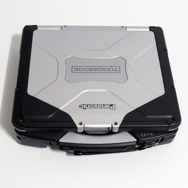 Image showing the rugged case of a CF31.